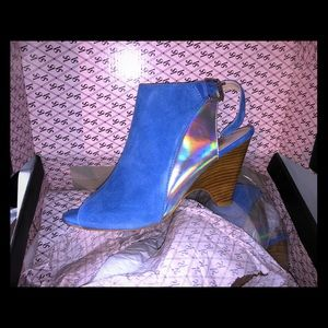 Glam blue suede shoes